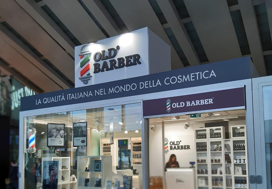 insegna 3d per Old Barber all'interno di centro commerciale