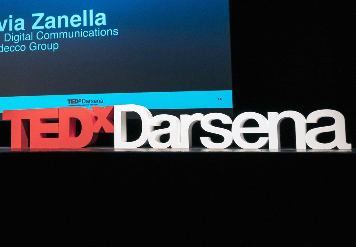 lettere in polistirolo per evento TEDx Darsena