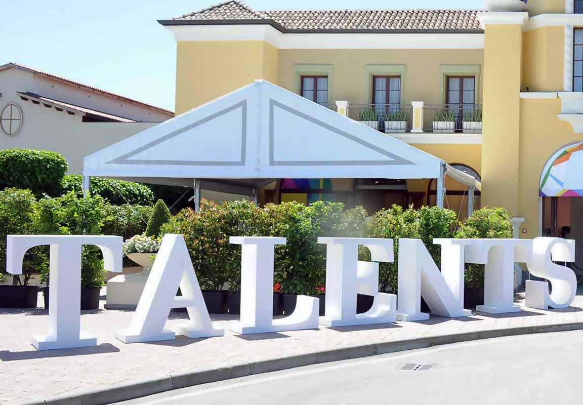 lettere giganti in polistirolo per evento Talents