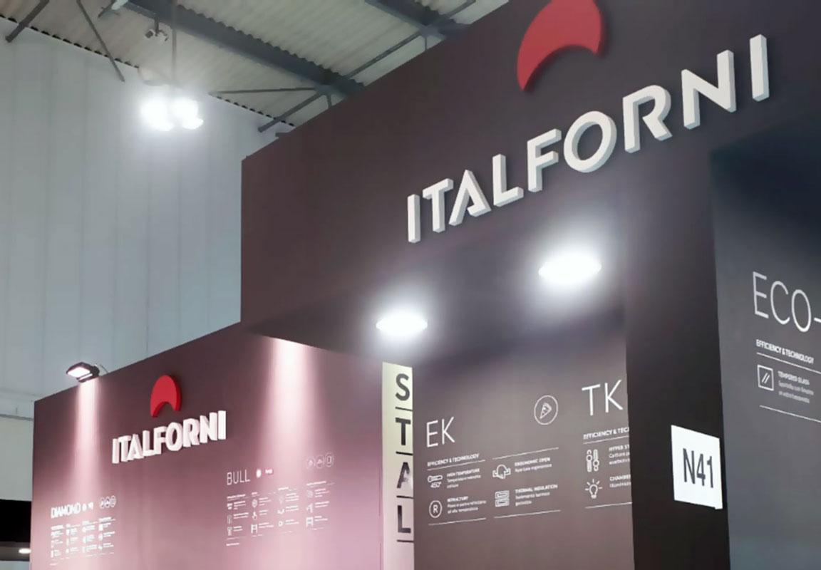Logo in polistirolo per stand Italforni