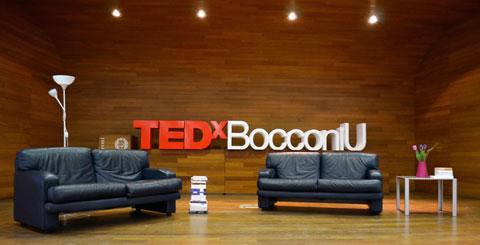 Lettere in polistirolo per TEDX Bocconi U
