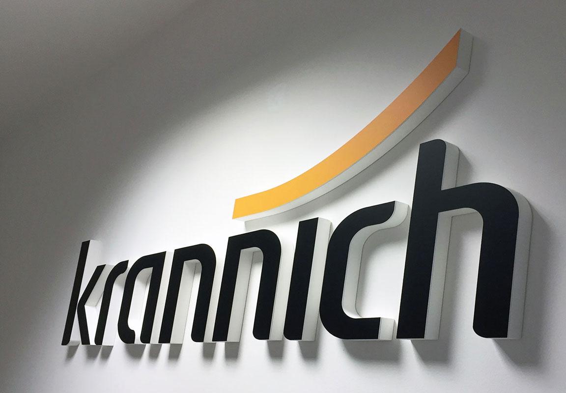 logo in polistirolo 3d Krannich parete azienda