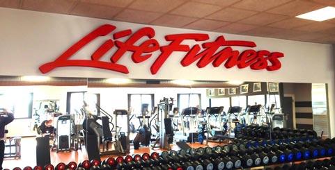Scritta in polistirolo per centro fitness